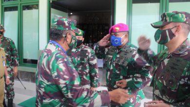 Photo of Danlanal Tegal Sambut Kunker Pangdam lV Diponegoro di Kodim 0712 Tegal