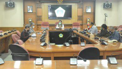 Photo of Bupati Izinkan Setigi Gresik Buka Lagi dengan Penegakan Protokol Kesehatan di Era New Normal