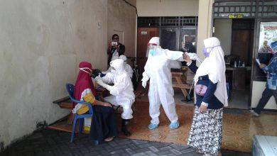 Photo of UPT Puskesmas Mendatangi Rumah Bagi Yang Tidak Ikut Rapit Test di Pemdes Bulurejo