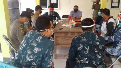 Photo of Kepala UPT Balongpanggang Lakukan Tracing ke Desa Yang Terpapar Virus Corona