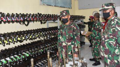 Photo of Danlantamal V Sidak Gudang Senjata Empat Satker Di Jajarannya