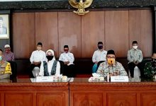 Photo of Pelaksana Gugus Tugas Percepatan Covid – 19 lakukan release di Pemkab Probolinggo
