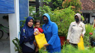 Photo of Peduli Kelompok Rentan Terdampak Covid-19 Dharma Pertiwi Daerah D Lanal Cilacap Berbagi Kasih