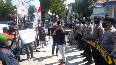 Photo of Soroti Pencairan BLT DD, Gebuk Demo DPMD