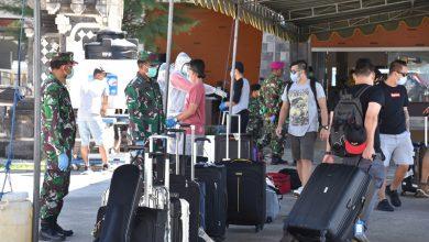 Photo of Subsatgas Pengamanan Pelabuhan Pengananan Covid -19 Lanal Denpasar Sambut Kedatangan PMI Di Pelabuhan Benoa