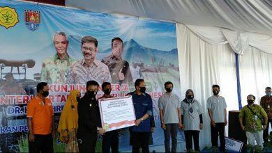Photo of Danlanal Cilacap Hadiri Gerakan Percepatan Olah Tanah Bersama Menteri Pertanian RI