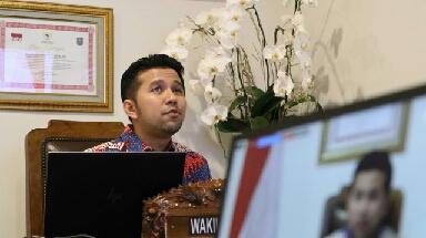 Photo of Wagub Emil Berbagi Pengalaman Jatim Kelola Ekosistem Kelautan di Konferensi Virtual Lembaga PBB