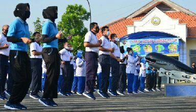 Photo of Gubernur AAL Ikuti Olahraga Bersama KASAL dan Kowal Wilayah Surabaya
