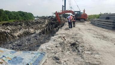 Photo of Pemerintah Pusat Bantu Pemkot Surabaya Teruskan Pengerjaan Proyek Tanggul Sungai Kali Lamong