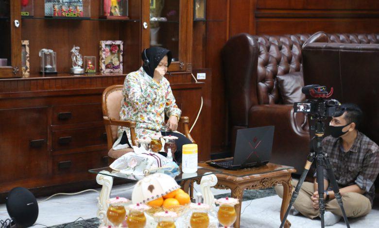 Photo of HJKS ke 727, Wali Kota Risma Motivasi Pelaku UMKM Surabaya via Teleconference
