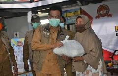 Photo of Wabup Gresik Jualan Paket Sembako Murah