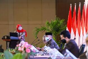 Photo of Dorong Pemulihan Ekonomi, Gubernur Khofifah Minta Bupati/Walikota Maksimalkan Serapan Belanja APBD 2020