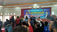 Photo of Rapat Kerja Khusus F-WAMIPRO Berujung Ricuh dan di hentikan oleh ketua