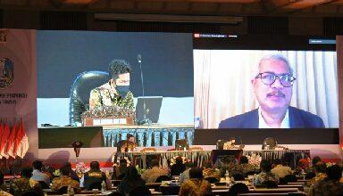 Photo of Wagub Emil Harapkan Peran Pemprov Jatim Bisa Selaraskan Kewenangan dengan Pemerintah Kabupaten/Kota Se-Jatim