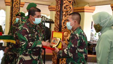 Photo of Danrem 084/BJ Pimpin Serah Terima Tiga Tongkat Komando Dijajarannya.