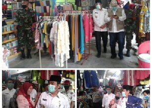 Photo of Wabup Gresik Sidak Pasar Tradisional Balongpanggang, Dan Saksikan 49 Pedagang Pasar Yang Ikut Rapid Test