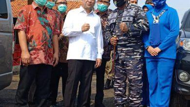 Photo of Danlanal Tegal Dampingi Kunker Menteri Koperasi di TPI Pelabuhan Pekalongan