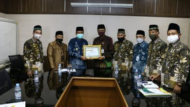 Photo of Baznas Gresik Ukir Prestasi Terima Penghargaan Terbaik Dari Kemenag Jawa Timur
