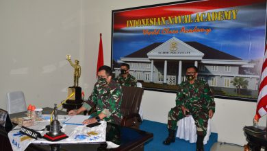Photo of Gubernur AAL Ikuti Webinar Nasional Hari Hidrografi Dunia 2020