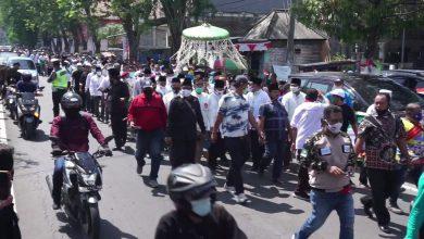 Photo of Tak Bikin Macet saat ke KPU, Warga Gresik apresiasi Qosim-Alif