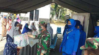 Photo of Indahnya Berbagi Jelang HUT TNI AL ke-75, AAL Gelar Bhaksoskes dan Berikan Paket Sembako