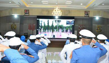 Photo of Gubernur Beserta Staf dan Taruna AAL Ikuti Peringatan Hari Jadi TNI AL ke-75 Secara Virtual