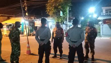 Photo of Polsek Ujungpangkah Laksanakan Giat Penindakan Para Pengguna Jalan, Yang Tidak Bermasker