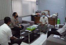 Photo of Polres Gresik Siagakan 200 Personil Saat Undian Nomer Urut Paslon