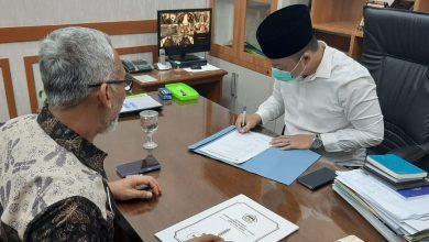 Photo of Calonkan Wakil Bupati, Dokter Alif Kembalikan Fasilitas Wakil Ketua DPRD Gresik