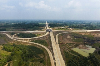 Photo of SIG Pasok Kebutuhan Semen Untuk Pembangunan Tol Trans Sumatera