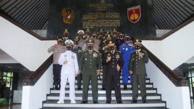 Photo of Danlanal Semarang Hadiri Acara Virtual Upacara Pelaksanaan HUT Ke – 75 Tahun 2020