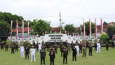 Photo of Peringati HUT ke-75 TNI Tahun 2020, Danlanal Banyuwangi bersama Forkopimda Laksanakan Upacara Secara Virtual dan Syukuran