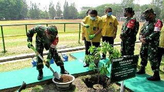 Photo of Pangdam V/Brawijaya Kunjungi PT. PETROKIMIA Gresik Perihal Ketahanan Pangan