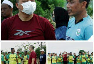 Photo of Widodo C Putra Titip ke Dokter Alif Untuk RangkulInsan Olah Raga Majukan Sepak Bola Gresik