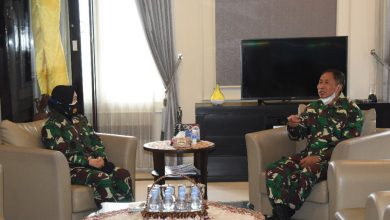 Photo of Gubernur AAL Terima Kunjungan Kerja Kadispsial