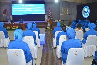 Photo of Perdana Jalin Silaturahim, Gubernur AAL Tatap Muka dengan Anggota CBS Jalasenastri AAL