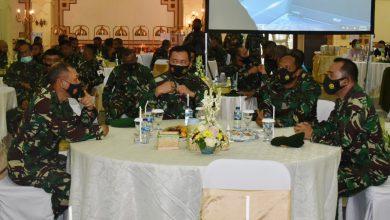Photo of Dankodiklatal dan Ketua PG Jalasenastri Hadiri Pisah Sambut Pangdam V Brawijaya