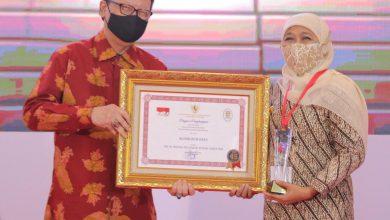 Photo of Raih Dua Penghargaan Sekaligus, Gubernur Khofifah : Jadi Pendorong Tingkatkan Inovasi dan Pelayanan Publik di Jatim