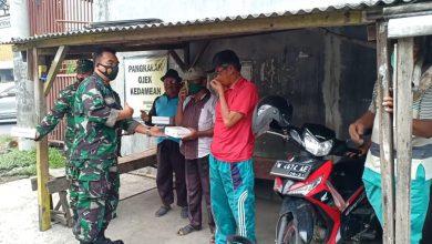 Photo of Personil Koramil   0817/03 Kedamean Turun Jalan Untuk Raih Pahala, Dalam Jum'at Berkah