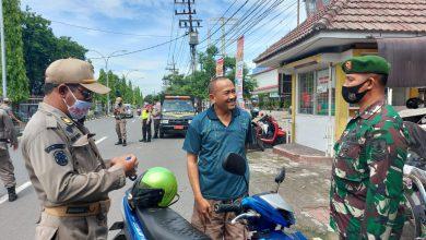 Photo of Bintara Muda Kodim O817/Gresik Ikut Patroli Penerapan Disiplin Kesehatan