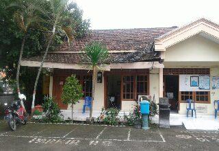 Photo of Kantor Kecamatan Balongpanggang Memprihatinkan