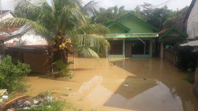Photo of 5 Rumah Pompa Belum Bisa Berikan Solusi,Banjir Kembali Rendam Kota Sampang