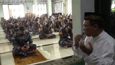 Photo of Gubernur beserta Staf dan Taruna AAL Gelar Doa Bersama untuk Keselamatan Bangsa