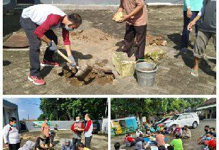 Photo of Peletakan Batu Pertama Pembangunan Musholah At Takwa Oleh Camat Benjeng
