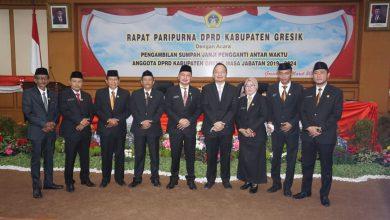 Photo of Ketua DPRD Gresik, Lantik Achmad Ubaidi Pengganti dr. Asluchul Alif