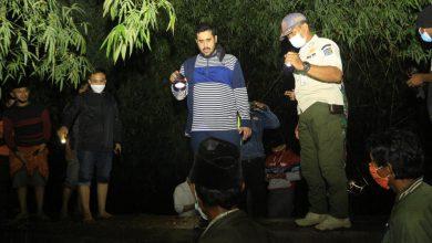 Photo of Habib Hadi Blusukan ke Tiga Kelurahan, Bagikan Nasi dan Cari Penyebab Banjir