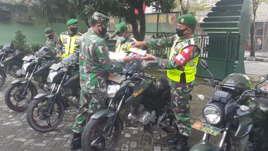 Photo of Kelengkapan  Personil Dan  Materiil  Babinsa Koramil  0817/05 Kota Di Cek Oleh Kapten Inf Mashudi