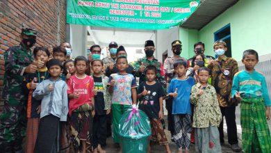 Photo of Kodim  0817/Gresik Serahkan Hasil Karya Bakti  Berupa  MCK DI Ponpes  Raudhatul Hikmah