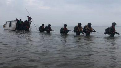 Photo of Taruna AAL Korps Marinir Mendarat, Menang dan Rebut Tumpuan Pantai Madura