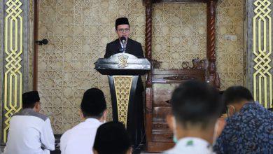 Photo of Hebat!!! Pelajar SMP di Surabaya Isi Khotbah Jumat di Masjid Dispendik